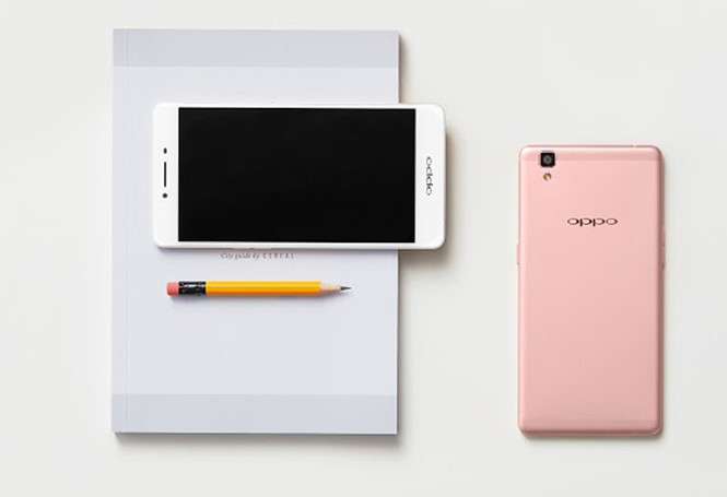 Oppo R7s with pink version - Photo: Oppo